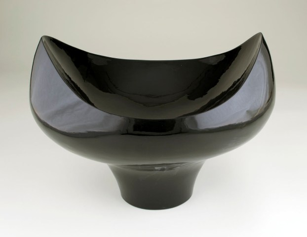 "Eric Boos - ""Black Bowl for Colorful Contents"""